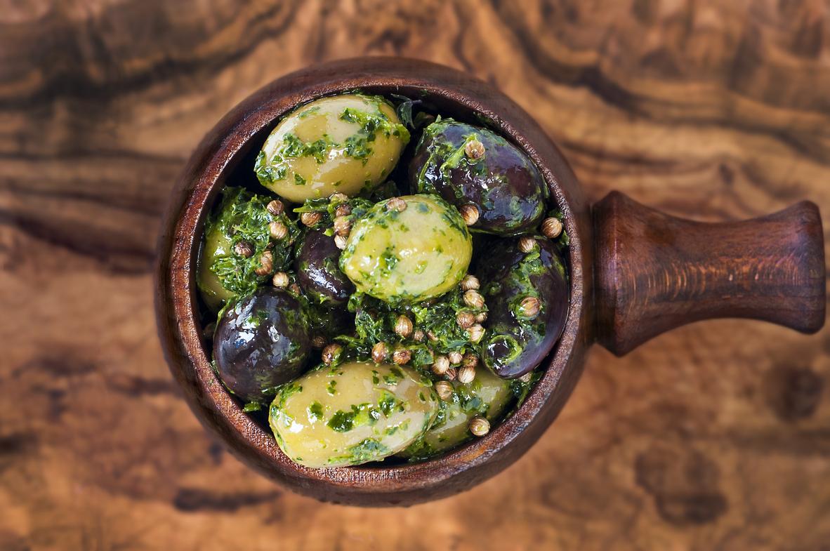 Mixed Olives with Coriander, Thyme, Coriander Seeds, Garlic, Orange juice